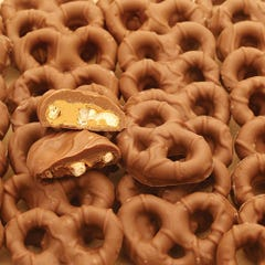 Milk Chocolate Peanut Butter Pretzel Twists Cup